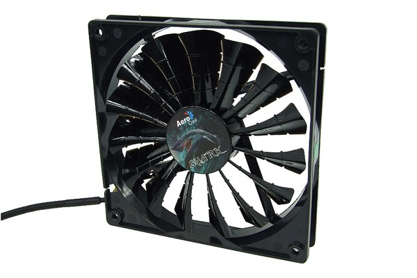 Aerocool Shark Fan Black Edition - Bright Black (140x140x25mm)